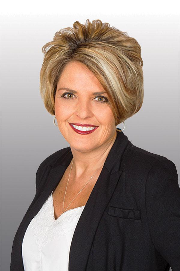photo of bank employee Karla Yeary